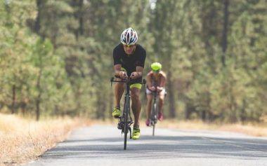 S'équiper pour un triathlon - Le casque | Stimium